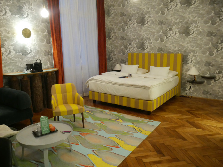 travel-blog-hotel-review-Austria-Vienna-room-photo