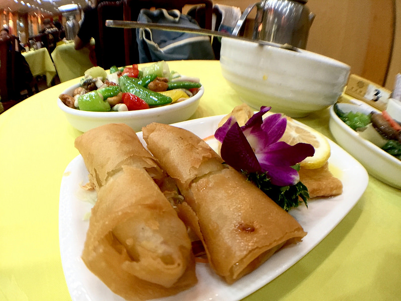 EATING AT A HONG KONG TEMPLE – IS CHOI BECOMING A VEGETARIAN?