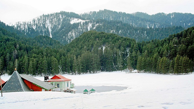 travel-guide-blog-India_Khajjiar-with-snow.jpg