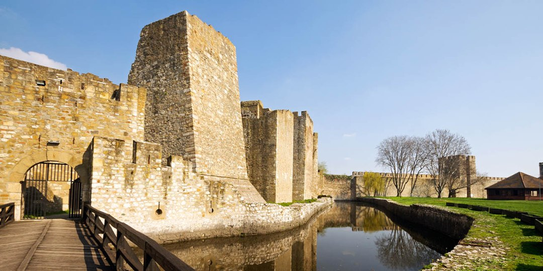 travel-guide-blog-serbia-smederevo-castle-02