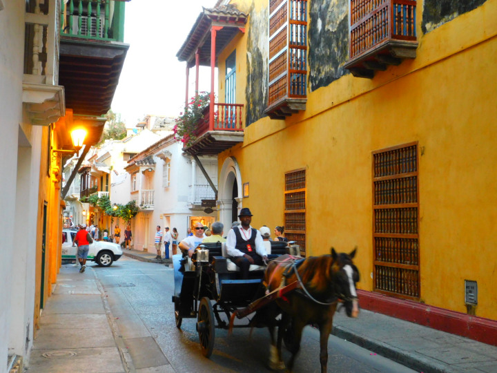 Colombia-travel-guide-01