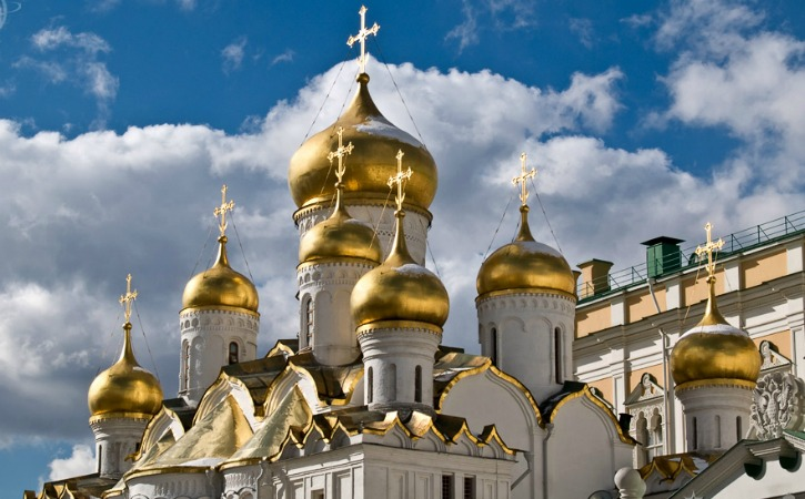 travel-blog-Russia-Domes-of-Annunciation-Cathedral-Moscow-Kremlin