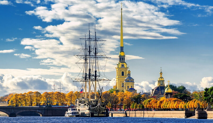 Peter-and-Paul-Fortress-St-Petersburg-Russia-tour_guide